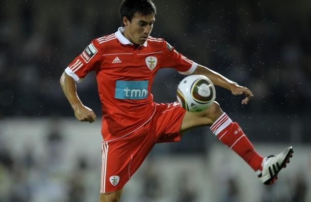 Benfica gia hạn hợp đồng với Nicolas Gaitan