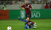 Menez tỏa sáng mở tỉ số cho Ac Milan