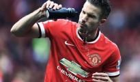 Van Persie gặp chấn thương mắt cá trong trận thua trước Southampton