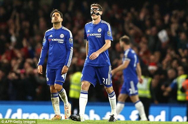 Chelsea đi xuống không phanh với những cầu thủ vô địch Ngoại hạng Anh mùa trước cùng Mourinho. Ảnh: Reuters.