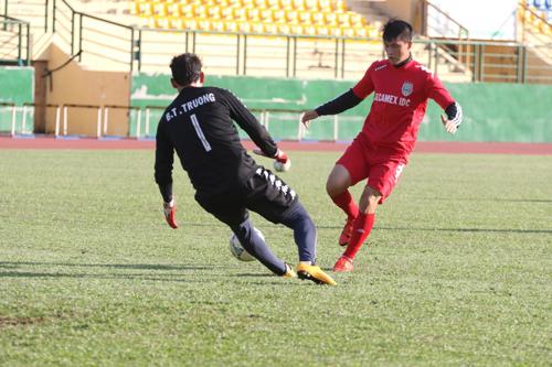 Becamex Bình Dương gấp rút tập luyện cho những trận đấu đầu năm 2016.