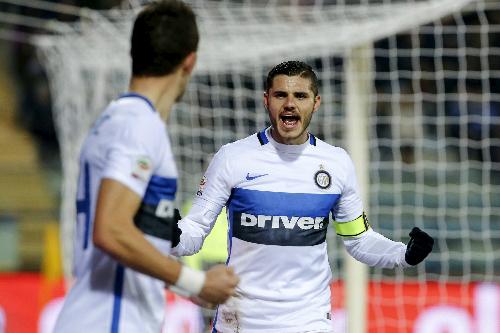 Icardi giúp Inter giành chiến thắng quan trọng khi các đối thủ cạnh tranh bám sát. Ảnh: Reuters.