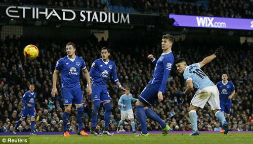 Man City 3-1 Everton May mắn đã mỉm cười với Man xanh