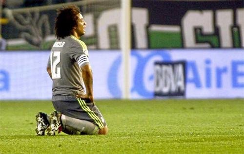 Marcelo thất vọng khi Real không thể có chiến thắng thứ ba liên tiếp với tân HLV. Ảnh: Reuters
