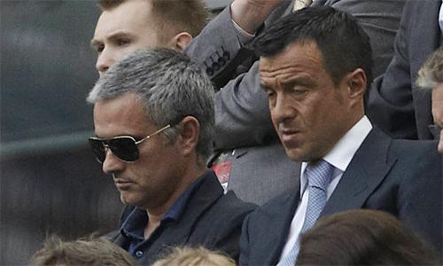 Mendes được cho là người quyết định đường đi nước bước cho Mourinho trong mọi lần chuyển việc, hoặc tìm công việc mới.