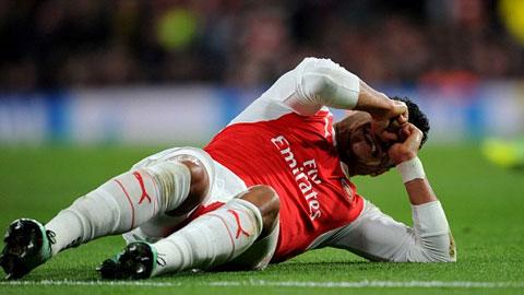 Oxlade-Chamberlain nguy cơ lỡ EURO 2016 vì chấn thương