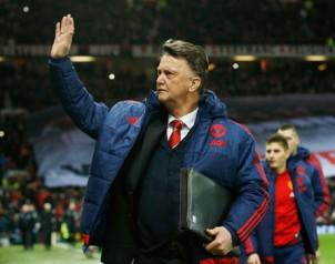 Van Gaal trút bỏ bớt áp lực sau chiến thắng đẹp mắt tại Old Trafford. Ảnh: Reuters