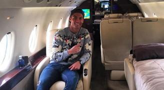Ronaldo thường dùng máy bay riêng để đi chơi.