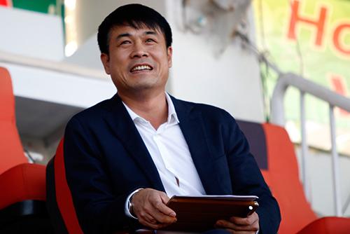 HLV Hữu Thắng lo lắng sau ba vòng đấu V-League 2016