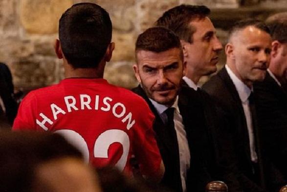 Lễ tang Eric: Cựu sao Manchester United bày tỏ niềm tiếc thương