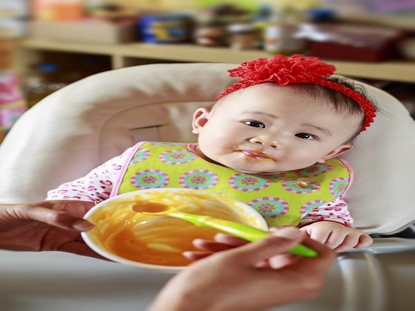 Kinh nghiệm cho bé ăn dặm truyền tay của các Mẹ