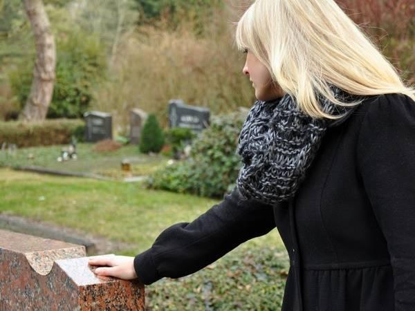 Mơ thấy người thân chết là điềm lành hay dữ? Đánh con lô đề nào trúng?