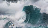 Mơ thấy sóng thần mang điềm báo gì? Đánh con số nào?