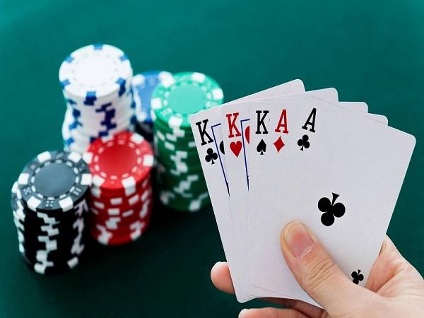 Luật chơi poker cơ bản cho người chơi mới